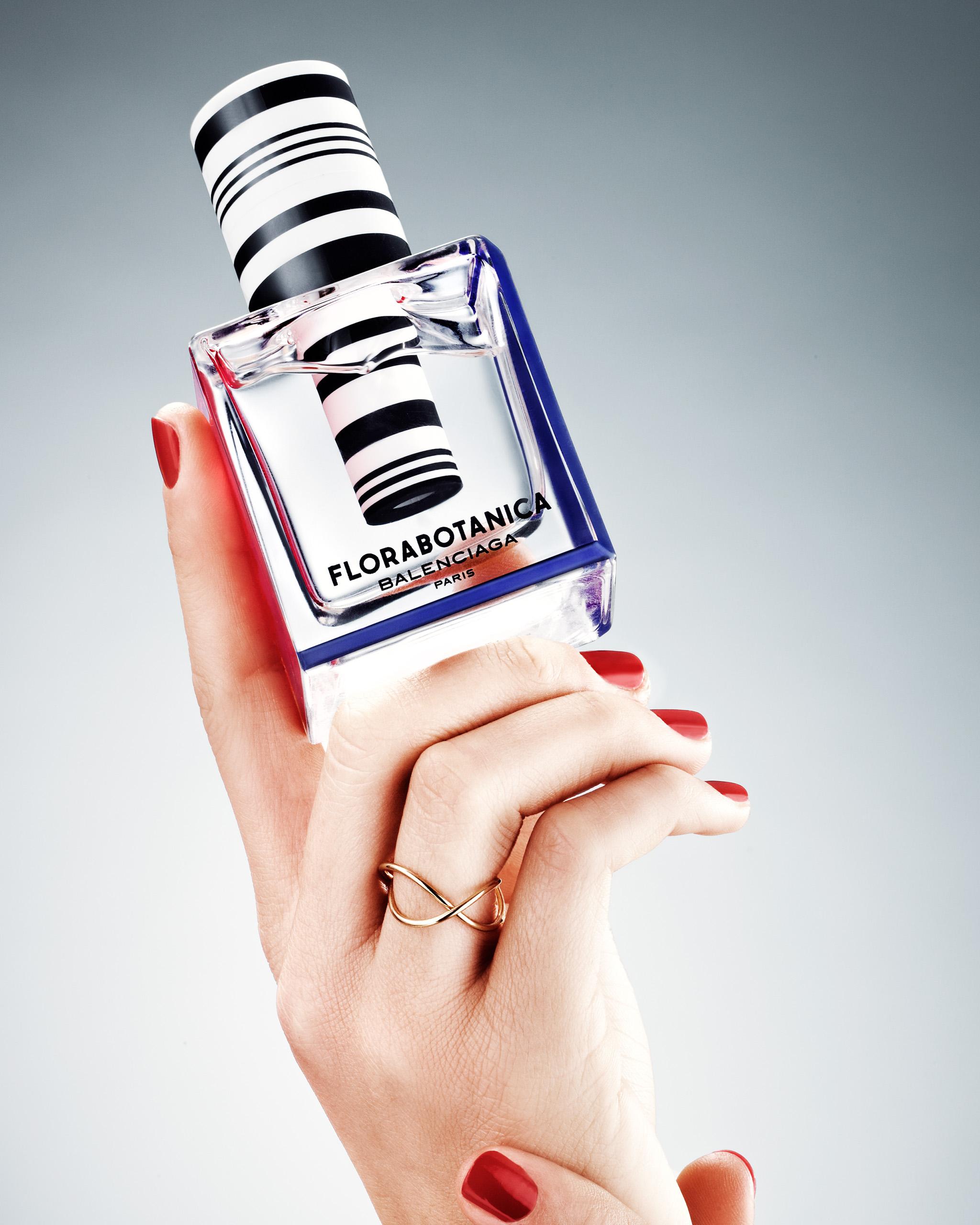 ew_hander_parfumer_24809_ok_mrj_crop