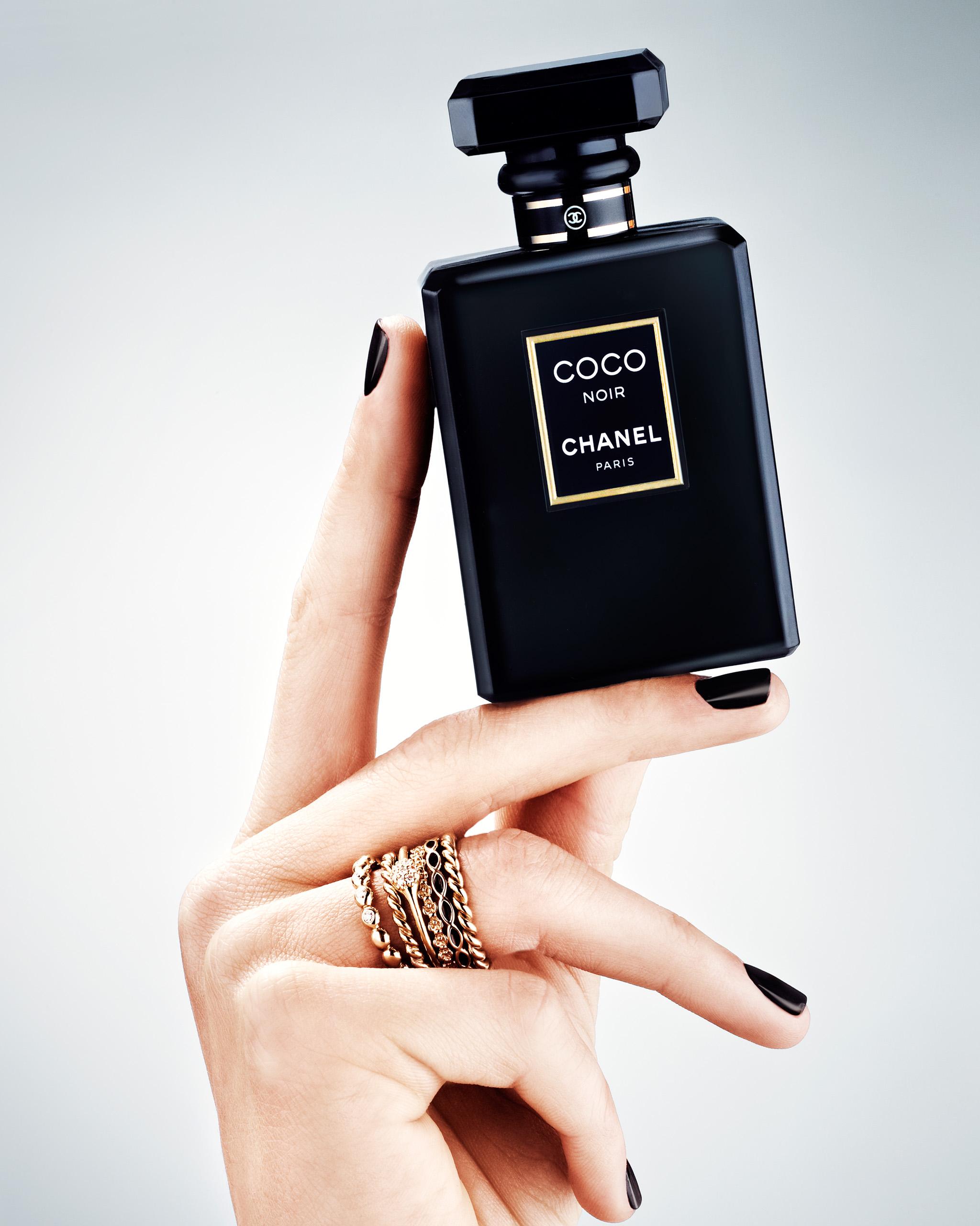 ew_hander_parfumer_24835_ok_mrj_crop